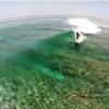 【空撮動画】モルディブ透明度が高い海でのサーフ