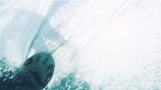 【水中動画】サーフィンを水中から撮るとこう見える。
