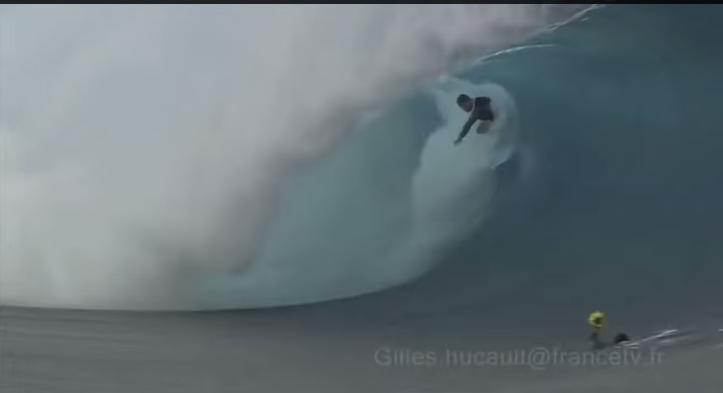 18分にも及ぶタヒチでのサーフィン映像、波乗り失敗もあり