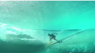 【動画】タヒチの水中からチューブ動画、こんな海に行ってみたい!