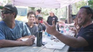 【動画】Rothman, Moniz(ロスマン、モニス)、Jones(ジョーンズ)ファミリーとハワイライディングセッションby、SURFING Magazine