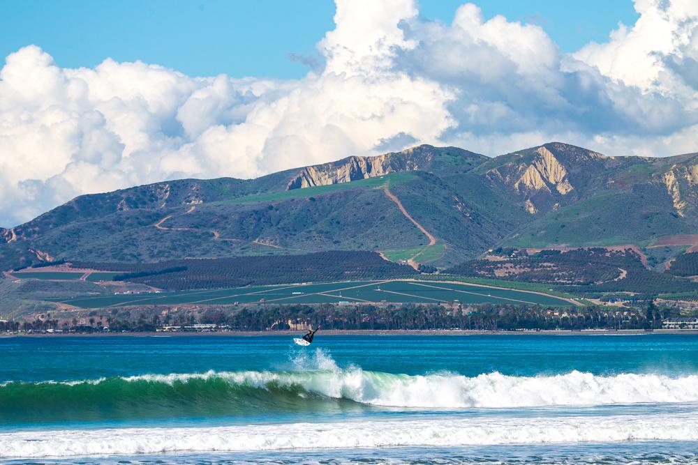 【画像】Monday Photosという題名でカリフォルニア州、サーフィンの一コマ