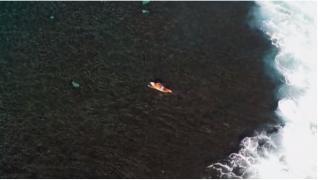 【動画】Diego Santos(ディエゴ·サントス)の空撮・トリプルサイズのチューブライディング