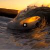 【動画】黄金色に染まるサンセットでのサーフィン、byDRAGON