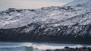 【画像】極寒の地アイスランドでのサーフィン、by Elli Thor Magnusson(エリー・ソー・マグヌソン)