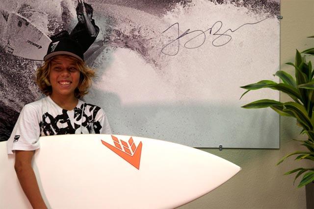 14歳のサーファーSebastian Williams(セバスチャン·ウィリアムズ)が魅せるライディング