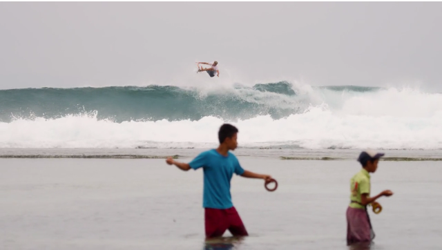 Jack Freestone(ジャック·フリーストーン) インドネシアでの流れるような素晴らしいサーフィンの6分間ターン