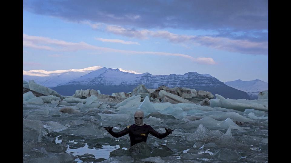 アイスランド・アラスカのサーフシーン雪原・流氷・チューブ