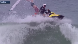 【動画】Billabong ライダーのJoel Parkinson(ジョエル·パーキンソン)がジェットスキーから投げ出される。