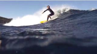 【動画】何と波の下には・・・波を共有するような動画、Hector Santamaria(ヘクター・サンタマリア)