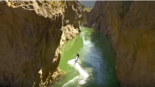 【動画】電気サーフボードOneanはうねりなしでサーフィンすることができるサーフギヤ