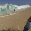 【動画】波打ち際で崩れるビックでクレイジーなショアブレイク!inワイメア