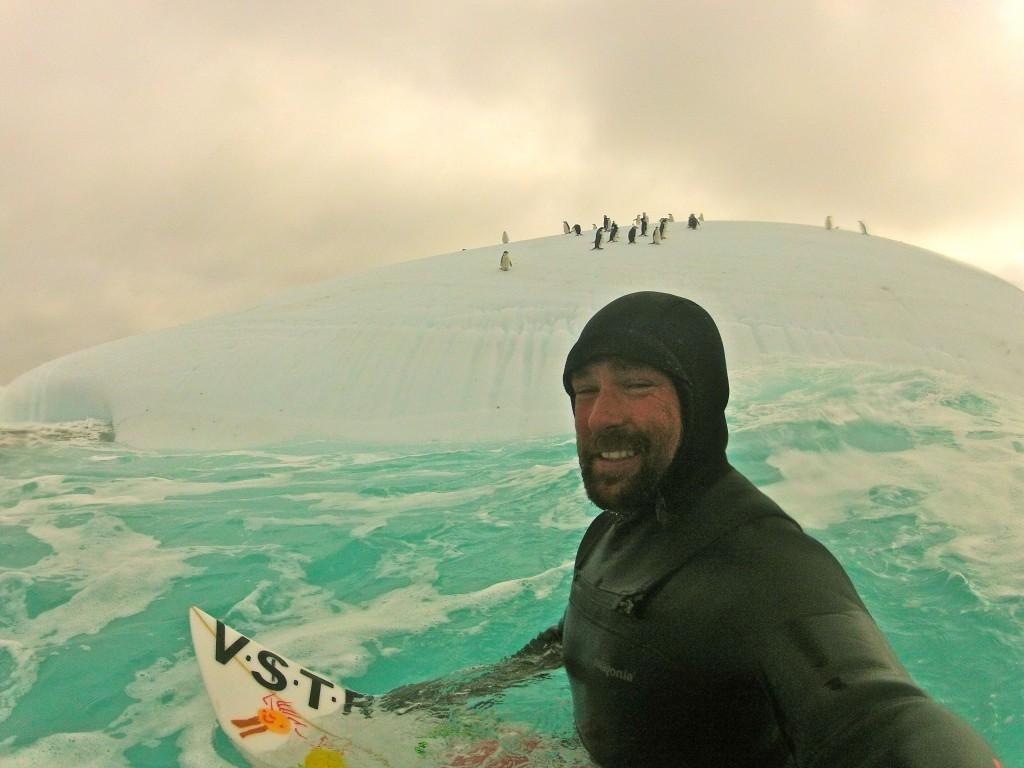KEPA ACERO (ケパ ・セラ)など、寒冷地でのアクティビティスポーツ(サーフィン)