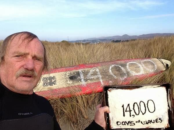 40年以上(14,642日)毎日サーフし続けた男性デール・ウェブスター(Dale Webster)