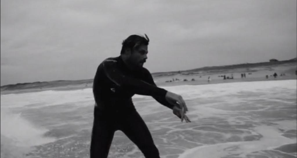 Dane・Reynolds(デーン・レイノイルズ)のフランス・セニョスビーチでのセッション