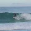 【動画】一度はこんな体験をしてみたい!イルカと一緒にサーフィン