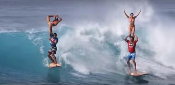 凄すぎるよ・・・ハワイで開催されるバレエなサーフィン