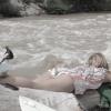 【動画】今はやっているのかな?川でやるサーフィン(Riversurfing)