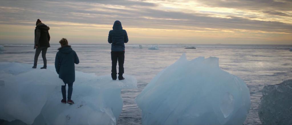 ハイクオリティ、サーフィンは冒険だ!北極のサーフィン