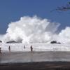 【動画】危ないけれど楽しそう! カウアイ島のショアブレイク