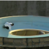 【動画】ウォータースライダーでスケートボードを楽しむ