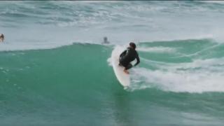 【動画】サーフボードってフィンが無いとどうなるの??