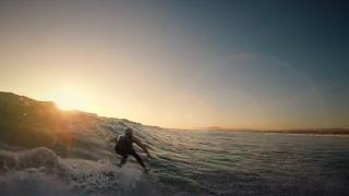 【動画】サーフボードをリペアしてリサイクル!