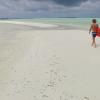 【動画】いつか行ってみたい!白い砂浜のインド洋の南東の島