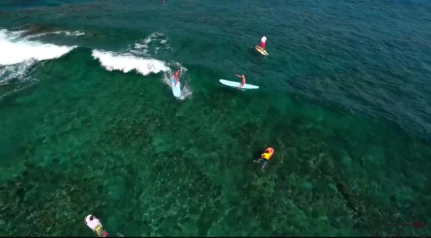 サンゴ礁の綺麗な場所でサーフィンをしてみたい!