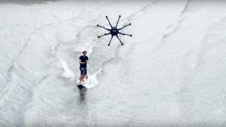 【動画】新しいスポーツドローンサーフィン?