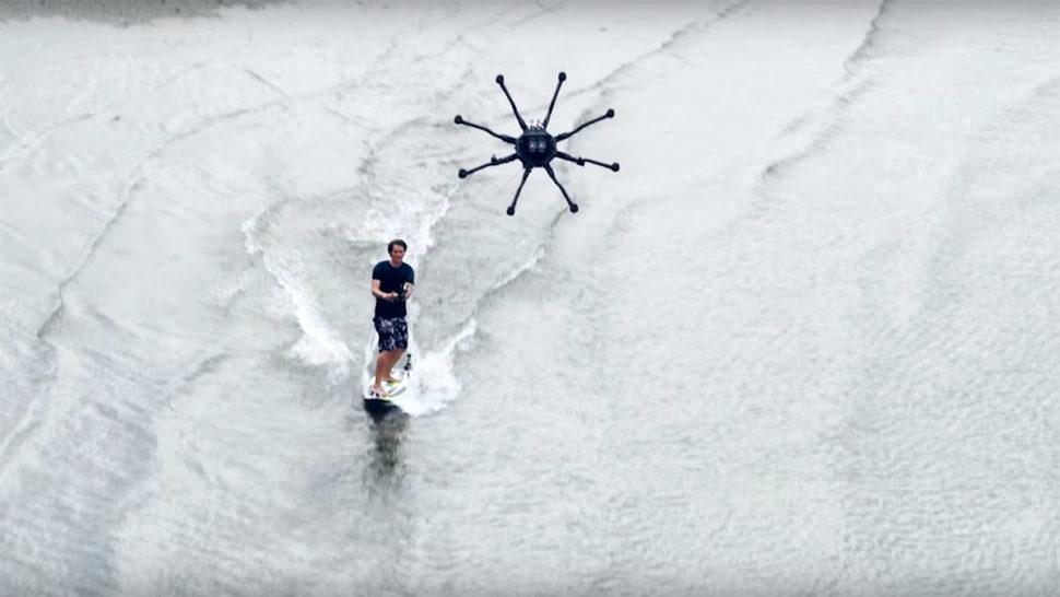 新しいスポーツドローンサーフィン?