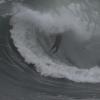 【動画】情け容赦ない波の巻き込みを受けるサーファー
