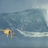 【動画】ウインドサーフィンでヘリまで登場