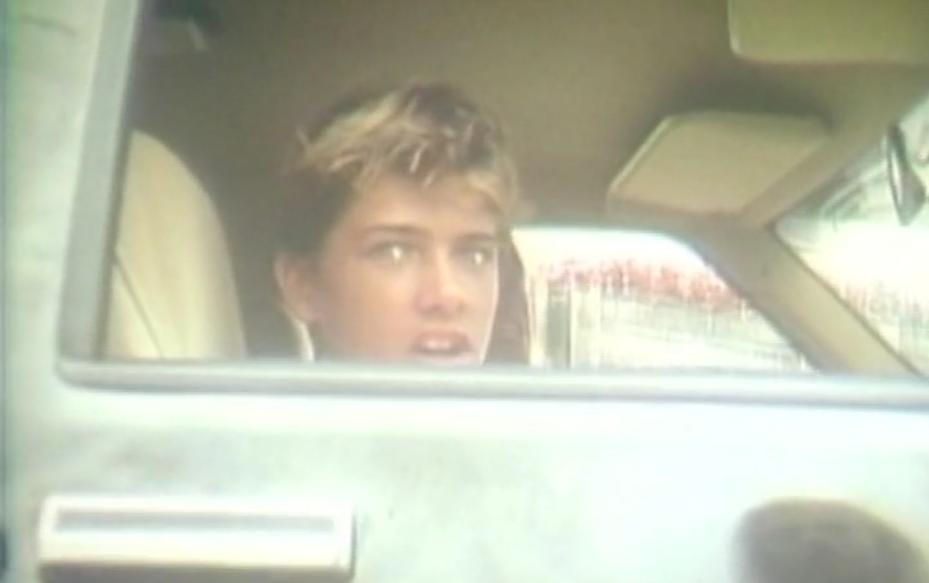 44歳の王者ケリースレーターの10代の貴重な動画シーン
