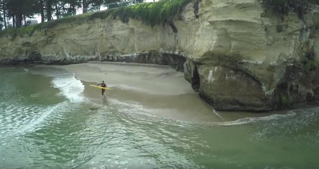Anthony Tashnick(アンソニー・タシュニック)の横から波をゲット