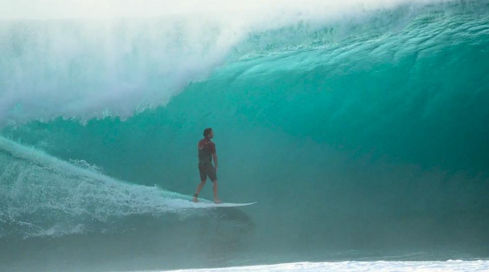 ハワイ・超有名サーフィンスポットパイプラインベスト動画