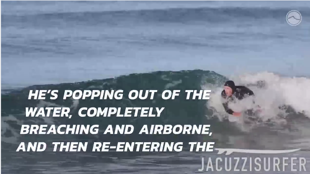 イルカのように波に乗るサーフボード不要、ボディーサーフィン