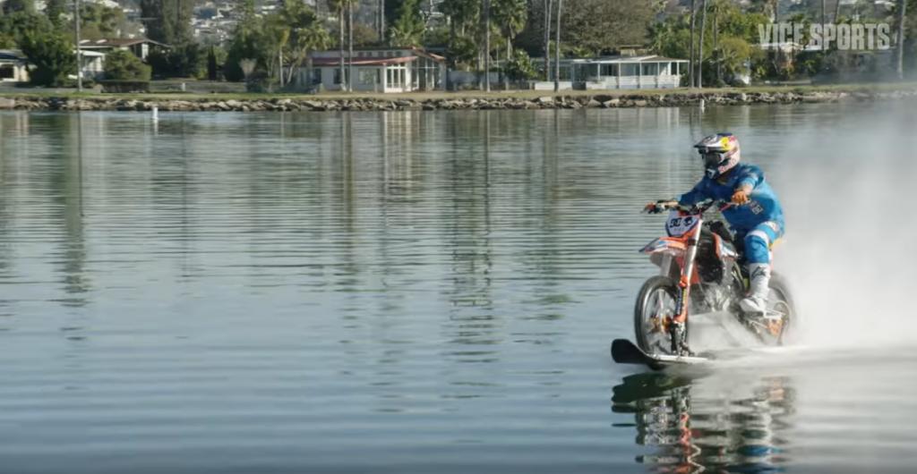 バイクで川と海を疾走!ロビー・マディソン(Robbie Maddison)