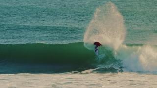 【動画】秘密スポットをテーマにアイスランドでサーフィン