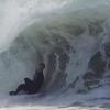 【動画】インサイドから波を繋げてブレイクする波にライディング