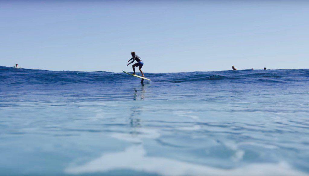 サーフィンスタイルは進化する?ハイドロサーフボードでサーフ