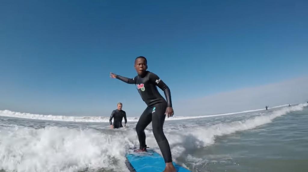 南アフリカの若い子たちにもサーフィンを!
