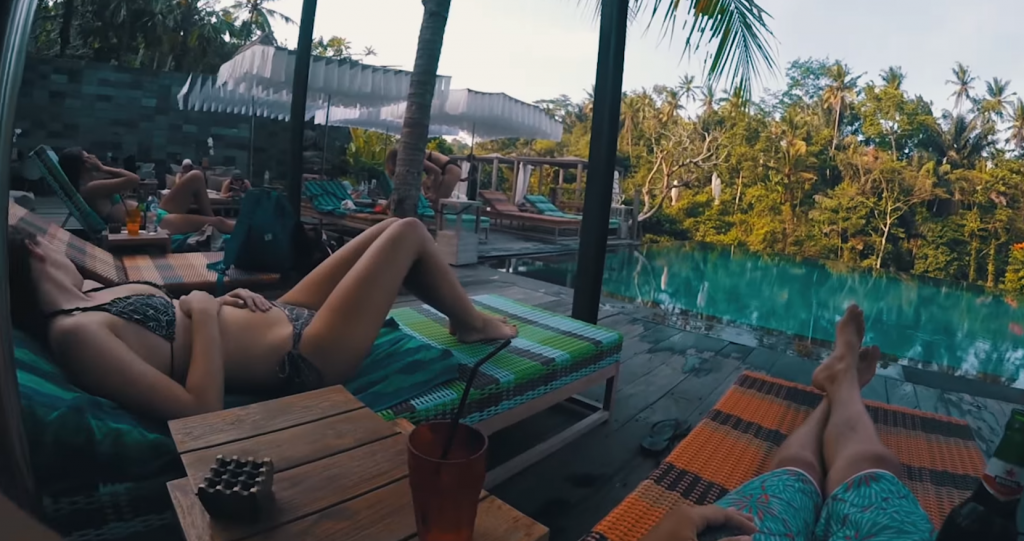 ここは楽園?GoProで撮影したバリサーフトリップの動画紹介