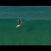 【動画】ハイドロフォイルサーフボードで透明度の高い波へライディング!