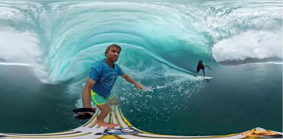 GoProの最新カメラを使用してタヒチのチューブを二人のサーファーが挑む!_1