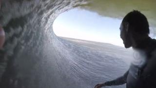 【動画】1つの波で6つのチューブをする、ナミビアサーフ動画