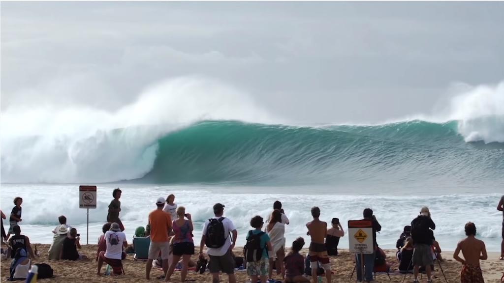 トリプルサイズのハワイパイプライン動画