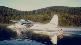 【動画】大型飛行機(フライングボート)でボートサーフィン