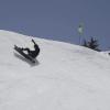 【動画】雪山でサーフィン?おふざけライディング動画