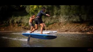 【動画】フランスのドルドーニュ河でフォイルサーフィン動画